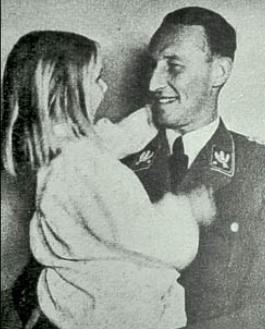 Reinhardt Heydrich with his daughter Silke 1942.