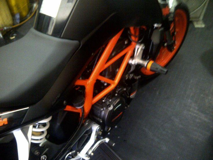 SLIDER MOTO KTM DUKE200 PAVONY  MOTOSXTREME ONLINE