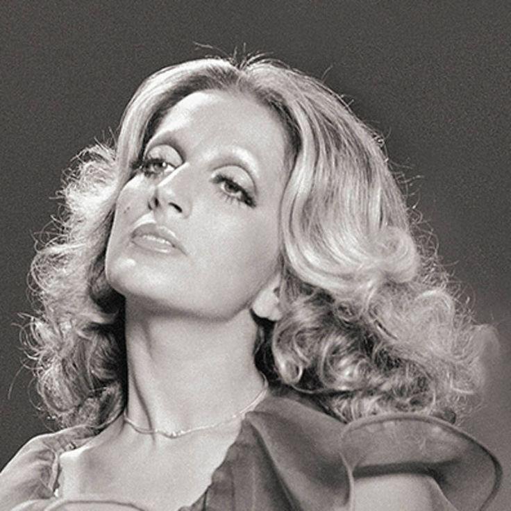 TuttoPerTutti: ♫ MINA ♪ ANCHE UN UOMO ♫ (Video + Testo) ♪ Tanti auguri a Lei, la voce femminile più bella in assoluto.... BUON COMPLEANNO MINA!  Mina  (Busto Arsizio, 25 marzo 1940) http://tucc-per-tucc.blogspot.it/2015/03/mina-anche-un-uomo-video-testo.html