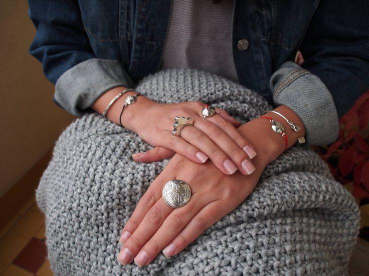 A venit, a venit toamna... 🍂🍁🍇   ► www.metaphorabijoux.ro/inele/maroc ► www.metaphorabijoux.ro/inele/sahara ► www.metaphorabijoux.ro/bratari/sahara _   #metaphora #silverjewellery #silverjewelry #bracelet #rings