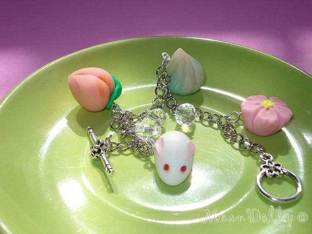 Wagashi (Bracelet)  Like, repin, share!  Thanks!