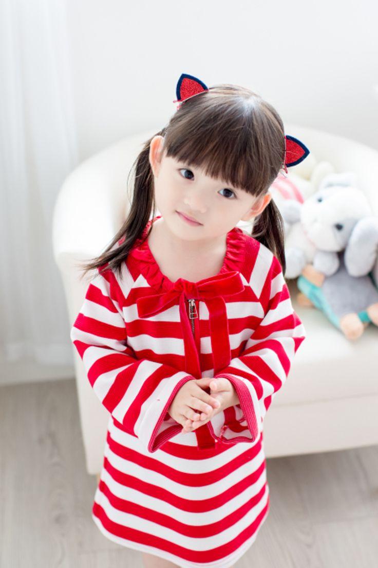 "Ozkiz ""SAND CREAM"" Dress. Perfect for F/W season 2016. OZKIZ, a Korean top brand for kids clothes and shoes collection, founded in 2010. Get it now on www.ozkiz.com Also available on www.amazon.com #오즈키즈 #아동원피스 #배우 #예쁜아기 #공주 #예쁜아기옷 #베이비그램 #엄마스타그램 #맘스토리 #아동복코디 #아동복쇼핑몰 #줌마스타그램 #옷추천 #인스타셀럽 #키즈패션 #딸스타그램 #소통 #예쁘니 #키즈맘 #ootd #kidsfashion #kidsactress #kidsstyle #Ozkiz #kidsmodel #princessdress #kidspartydress #partydress #kidseveningdress"