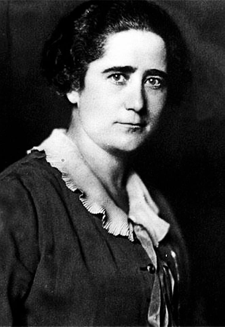 CLARA CAMPOAMOR RODRIGUEZ (Madrid 1888 – Lausana 1972) fue una política española, defensora de los derechos de la mujer y principal impulsora del sufragio femenino en España, logrado en 1931, y ejercido por primera vez por las mujeres en las elecciones de 1933...