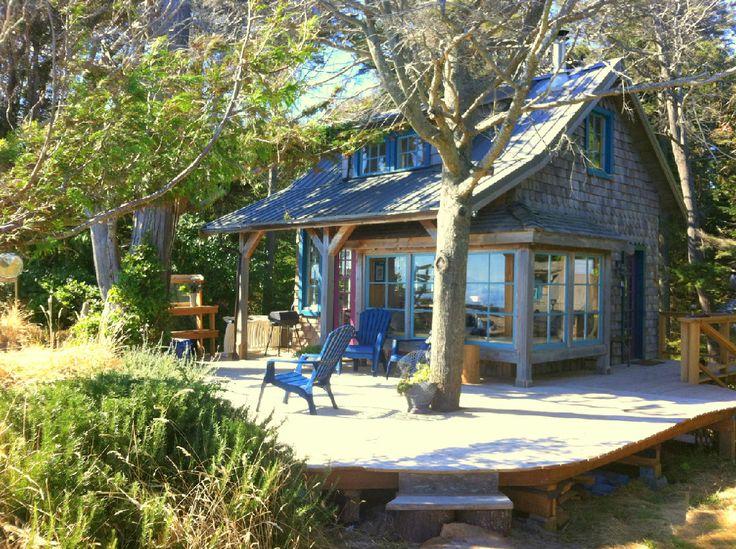 Oceanfront cabin rental on Savary Island