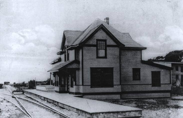 """Gare de Neuville; probablement transformé pour devenir notre maison de Neuville dans les années """"70"""