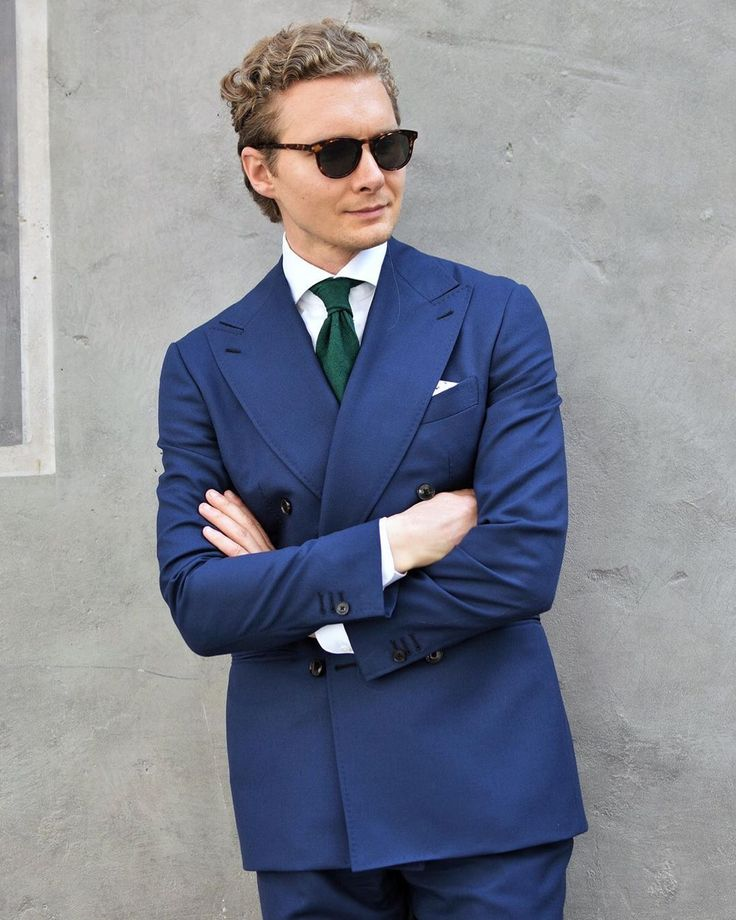 foto de vd_style_point looking particularly dapper, wearing our Keyhole ...