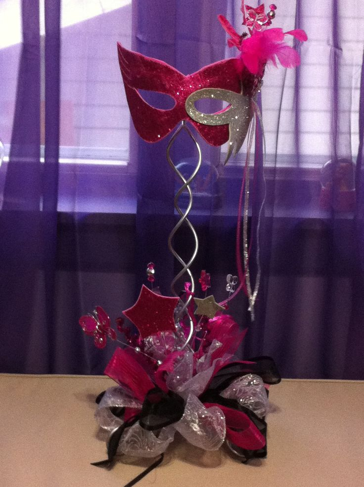 Mask center piece Fuchsia & Black