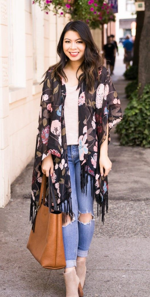 2b47e77ca1fa0e Get back to school ready with this dark floral kimono outfit from the Kohl s  junior department! Fall fashion with kimono