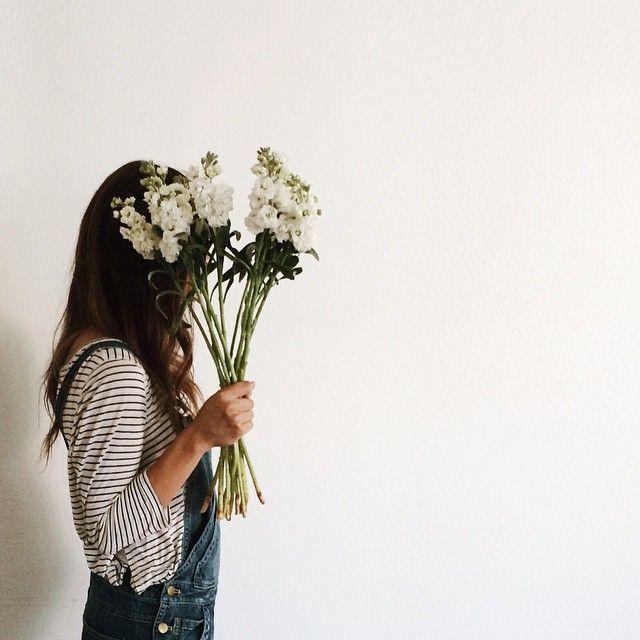 lattesandlayers:White flowers are my latest obsession.