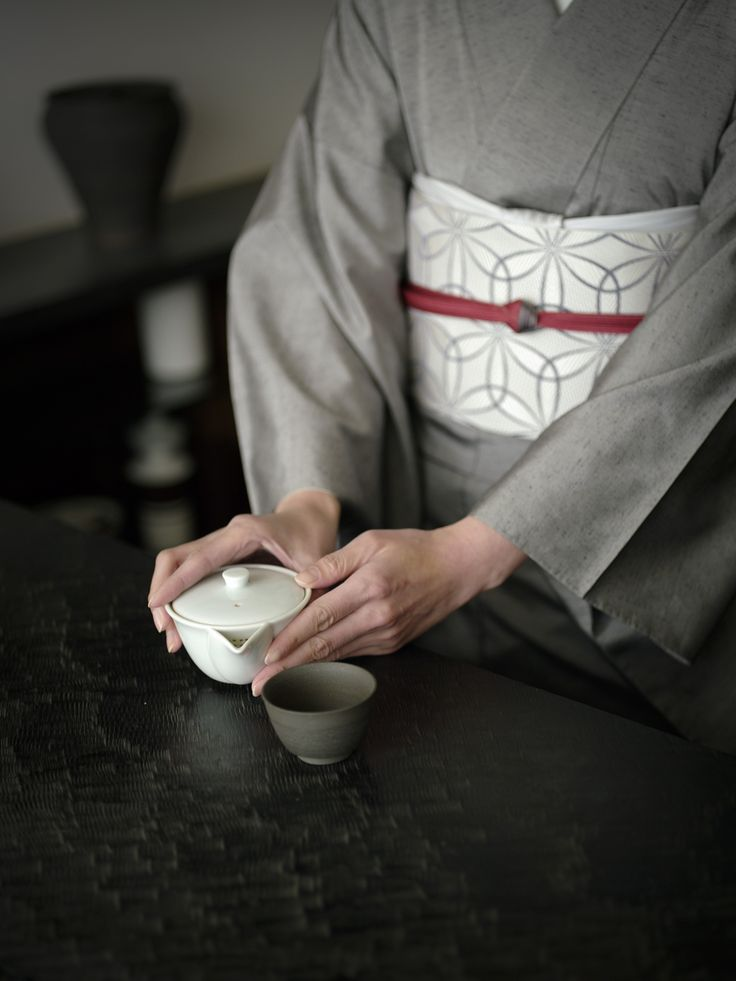 着物と急須 Kimono & tea set
