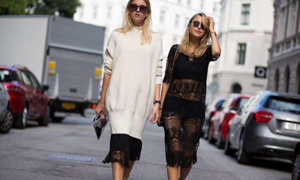Monochrome dressing with a friend