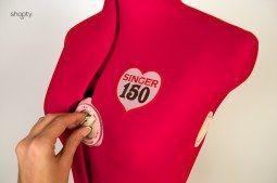 Thumb Mannequin de couture sur pied buste de couture réglable Singer DF150