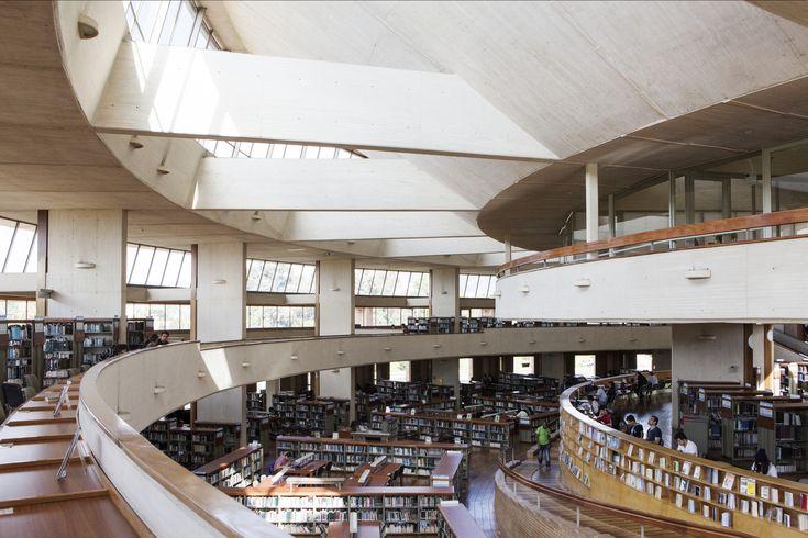 Galeria de Clássicos da Arquitetura: Biblioteca Virgilio Barco / Rogelio Salmona - 10