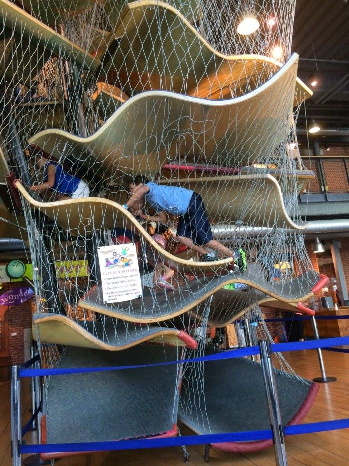 Traveling with kids in Massachusetts is awesome. There are tons of great day trips and places to explore. Here is the Massachusetts bucket list of kid friendly day trips.