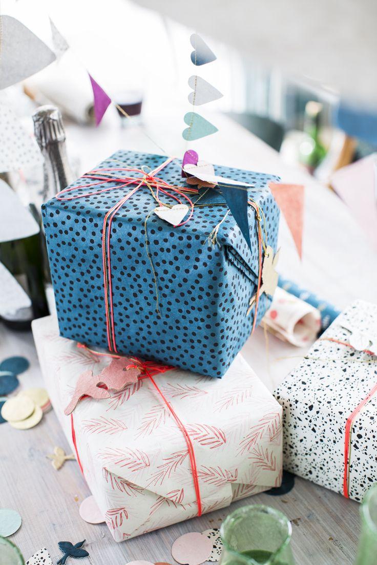 Laat je sint cadeautjes door ons inpakken! Mail naar info@returntosender.nl