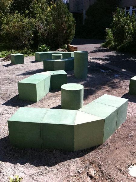 Beton Geht Auch In Farbe U2013 Sonderanfertigung Von Betoniu Für Sitzplätze Im  Freien