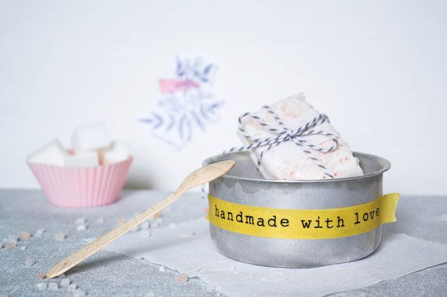 Passion Shake | DIY Jasmine soap with Himalayan salt | http://passionshake.com handmade soap / homemade