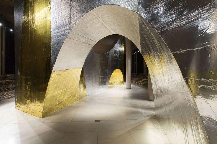 OMA - Office of Metropolitan Architecture, Alberto Moncada, Agostino Osio · 2016 SS Miu Miu Show – Timeless Ruin · Divisare