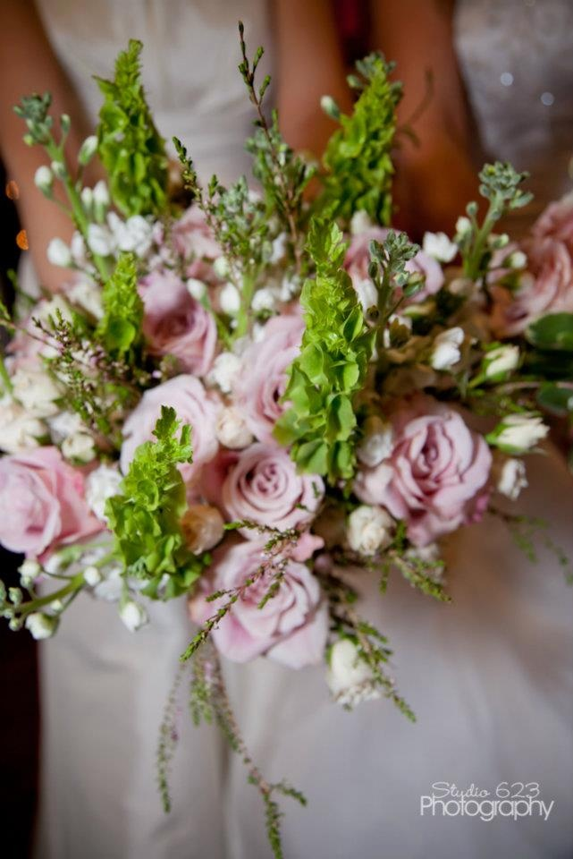 62 best images about wedding flowers on pinterest low for Country garden designs ireland