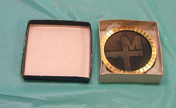 Merrill Lynch 1960 Logo Paperweight Coaster Brass Vintage Boxed Wall Street