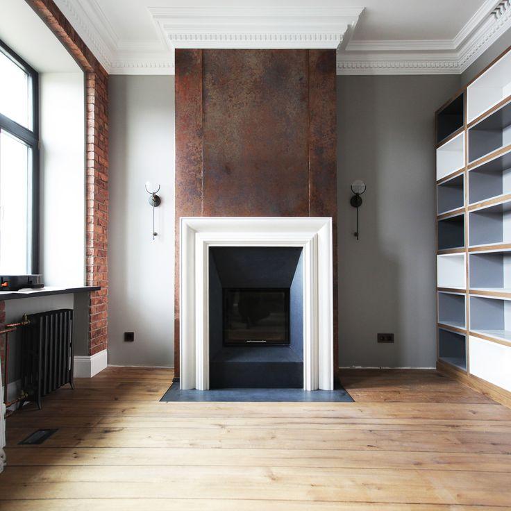 Камин в частном лофте в Пушкарев переулке. Fireplace in a private loft in Pushkarev Lane