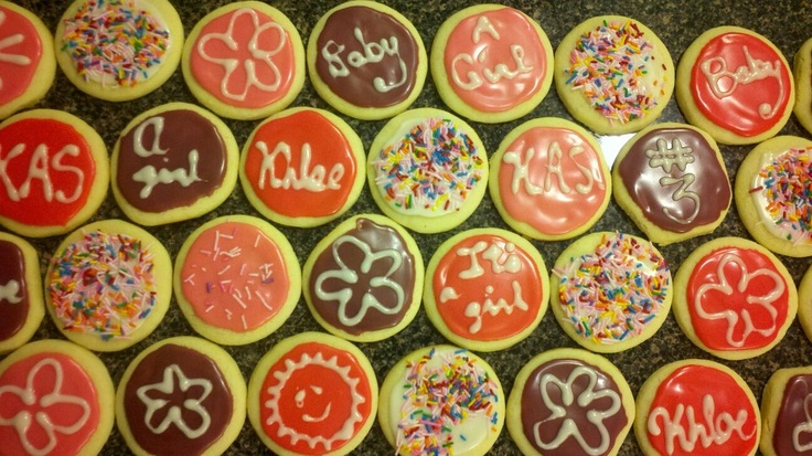 Baby Shower Sugar Cookies {Tip: Use a water glass to cut out perfectly round cookies}