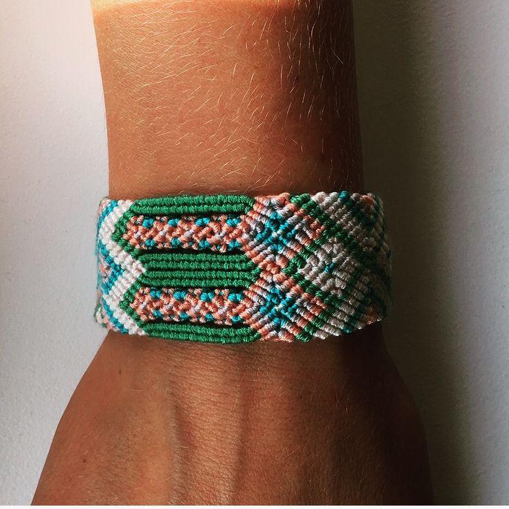 Gevlochten vriendschaps armband enkelbandje  Ibiza, ibizastyle, Boho, bohemian, hippie, gipsy, bohostyle, bohemianstyle, hippiestyle, gipsystyle, hats&flats Www.hatsenflats.nl