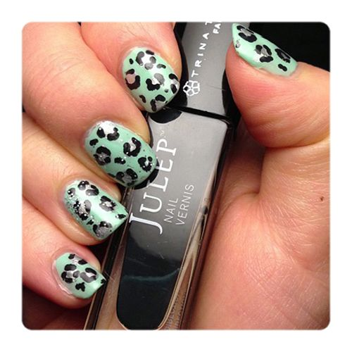 Fan Nail of the Day by Linda Kim for Julep