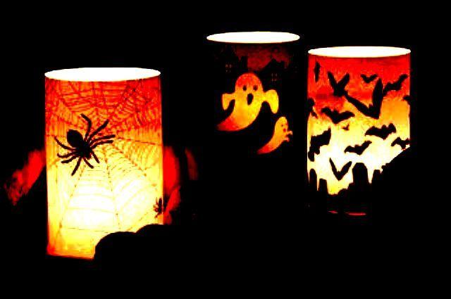 Non volete perdere tempo da intagliare le zucche...guardate che bello effetto fanno questi portacandele! - #halloween #candele #decori #decorazioni