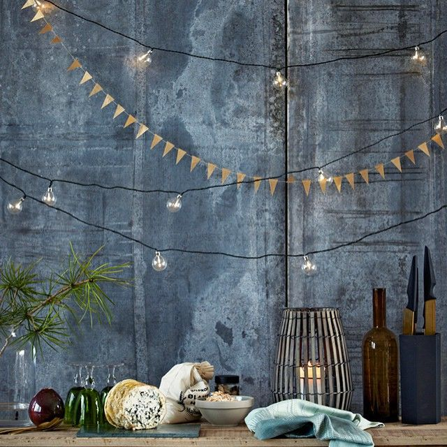 WEBSTA @ housedoctordk - Christmas delight #housedoctor #light #string #style #decoration #trend #christmas #home #decor #design #danish #scandinavian #kitchen #triangle #knife #cheese #december #decoration #styling