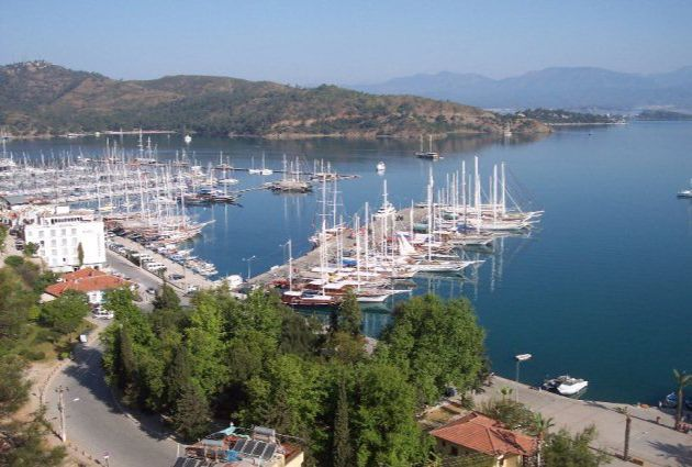 Day 4: TURUNC PINARI – FETHIYE After breakfast, we will cruise to Turunc Pinari for lunch and a swimming break. On the fourth day of our cruise, we will arrive in Fethiye Harbour around 16:00. The guests will leave the boat with precious memories by 16:30 here.
