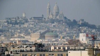 Das Zeitalter der Aufklärung könnte langsam anbrechen: Die Basilika Sacré Coeur de Montmartre soll künftig auch von weitem besser zu sehen sein.