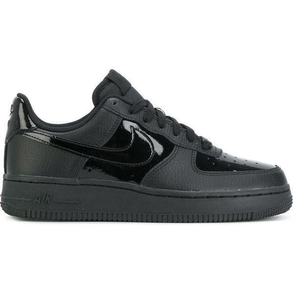 Nike Air Force 1 '07 sneakers ($105) ❤ liked on Polyvore featuring shoes, sneakers, black, nike, nike sneakers, black sneakers, nike shoes and flat shoes