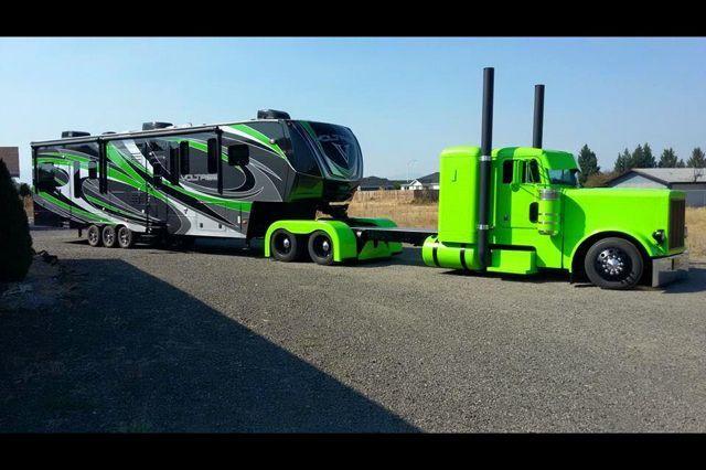 Peterbilt Hauling 5th Wheel Toy Hauler Camper In 2020 Trucks Big Trucks Diesel Trucks