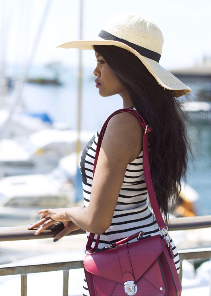 -Wallace-yolicia-striped-summer-dresses-capeline-flopy-hat-fashion-bloggers-tips-style