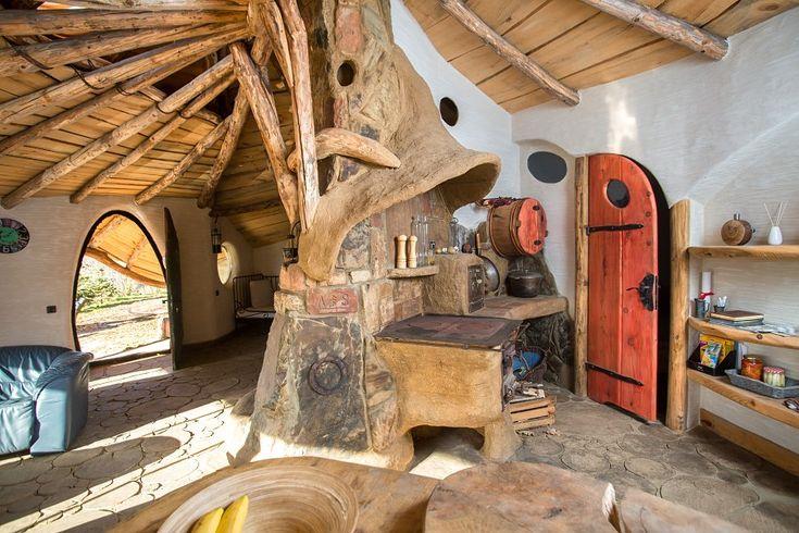 Fabrika de Case - Casa hobbit din Polonia #Hobbitowa #Krzywcza #BogdanPekalski