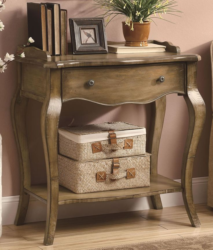 Chicago Furniture Stores | Vintage Style Entryway Table