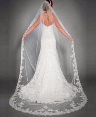 Wij he bben diverse sluiers tot 3 meter lengte op voorraad. En allemaal onder de 100 euro  #love#verloofd�� #verloofd2017 #verliefdverloofdgetrouwd #verliefd#engagednl #trouwen#sluier #sluiers#samesexmarriage #lesbianmarriage #lesbischebruiloft #gaymarriage #bruidsmode#bruidsjurk#weddingdress#veil#040#eindhoven http://gelinshop.com/ipost/1517713893378702857/?code=BUQAL6tgz4J