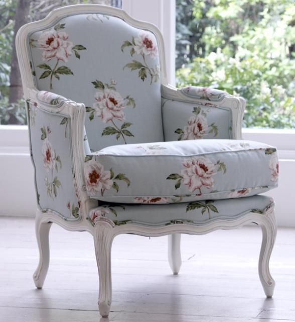 05 Louis XV Bergere - Easy Chairs - Gustavian