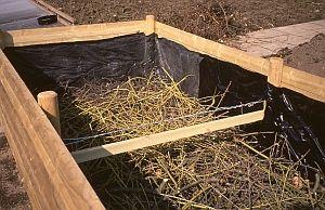 Hochbeet bauen - so geht das  http://www.gartensaison.de/html/hochbeet-bauen.htm
