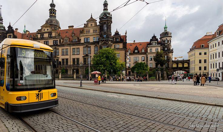 Dresden  Die dresdner Innenstadt samt Straßenbahn