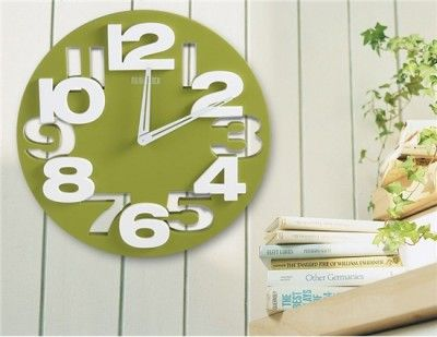 Very Stylish Round Clock (Green)