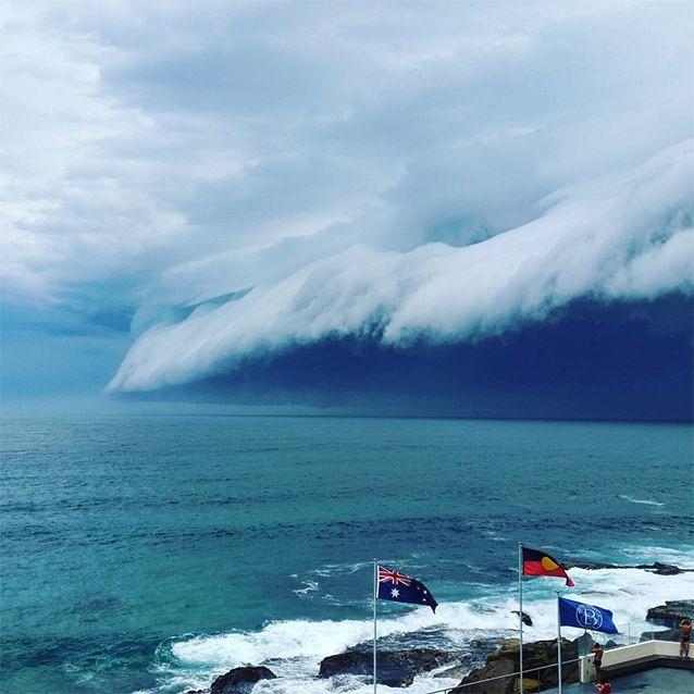 Massive storm shelf looms over Bondi Beach to finish week of freak weather around the country - Yahoo7