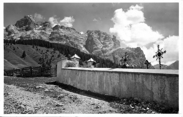 FotoLadinia le foto della Val Badia e delle Dolomiti - Cartoline/San Cassiano verso La Varella - anni '50