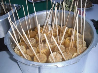 Muito boa essa ideia... já que milho cozido é minha comida de festa junina favorita!!!