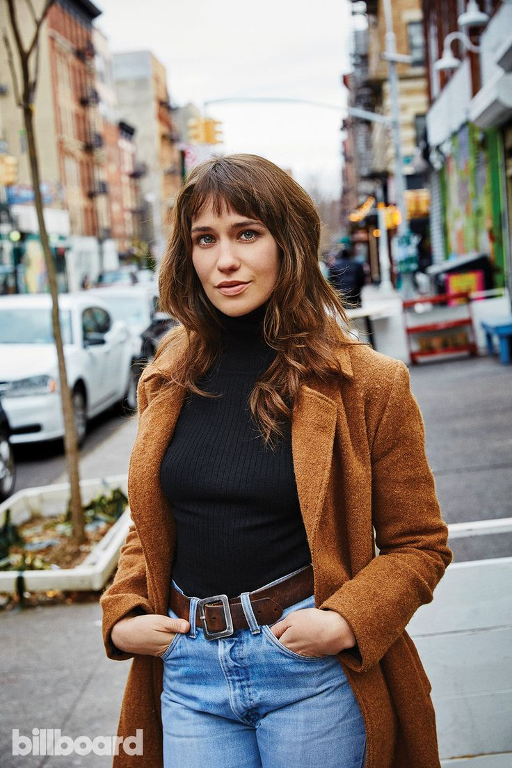 'Mozart In the Jungle' Star Lola Kirke Shares Her Favorite NYC Record Stores, Music Venues & More | Billboard
