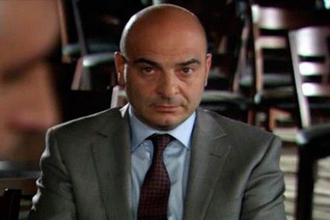 Capítulo 07 x 01: Kerim y Fatmagül se casan  Ebe Nine se lamenta no poder evitarlo, y evitar que se muden a Estambul.