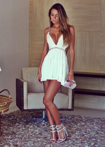 Amo esse modelo de vestido curto off white