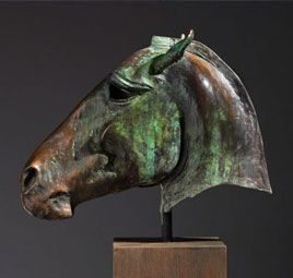 Escultura de busto de caballo de Nic Fiddian-Green #Caballos #Sculptura We love it @ Muebles NOMAD MEXICO