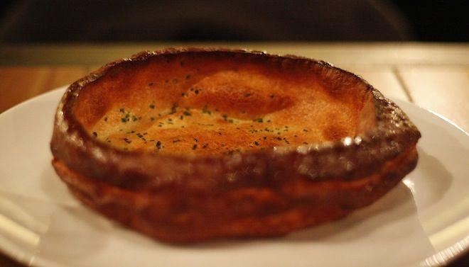Pascade est un restaurant proposant des plats typique de l'Aveyron. Ouvert par Alexandre Bourdas, Pascade nous a convaincu dès la première boucher. Avis !